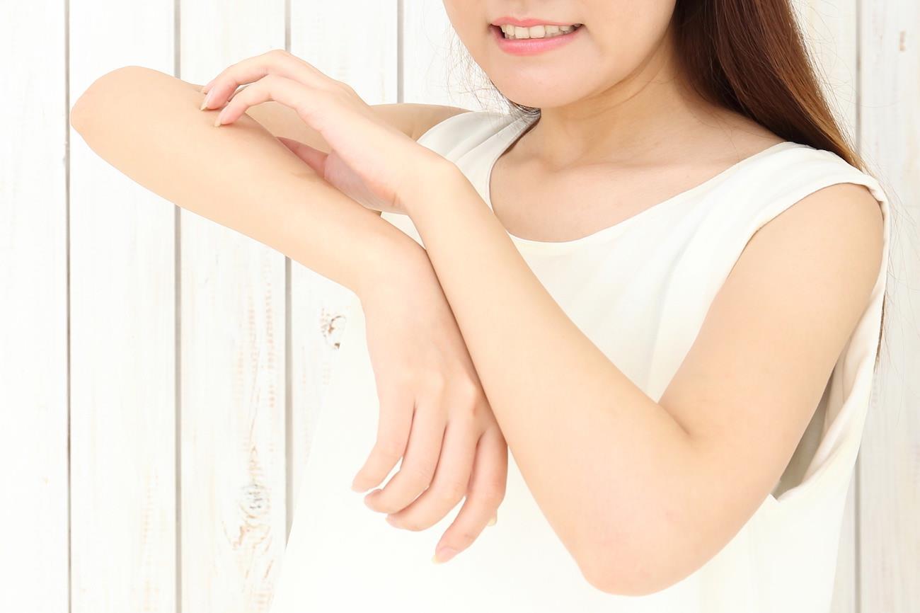 「汗をかくと痒くなる」は間違い!?メカニズムからみるアレルギーと汗の関係