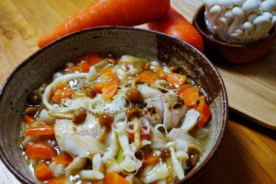 秋はキノコで「菌活」!鱈(タラ)のとろ~りキノコあんかけ丼