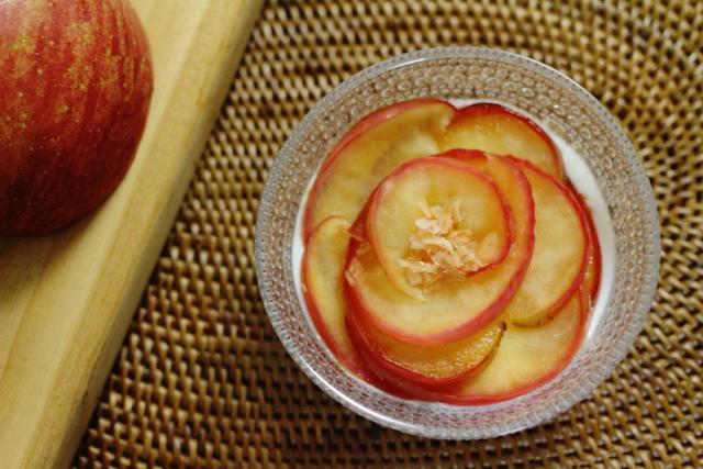 冷えに効く!5分でできる「ジンジャー焼きリンゴ」|おかわりおやつ