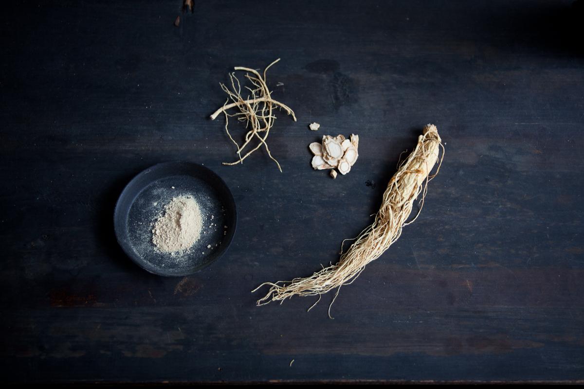 【連載】からだを慈しむ、薬草の旅Vol.12|春の朝には、からだが目覚める高麗人参ミルクティを