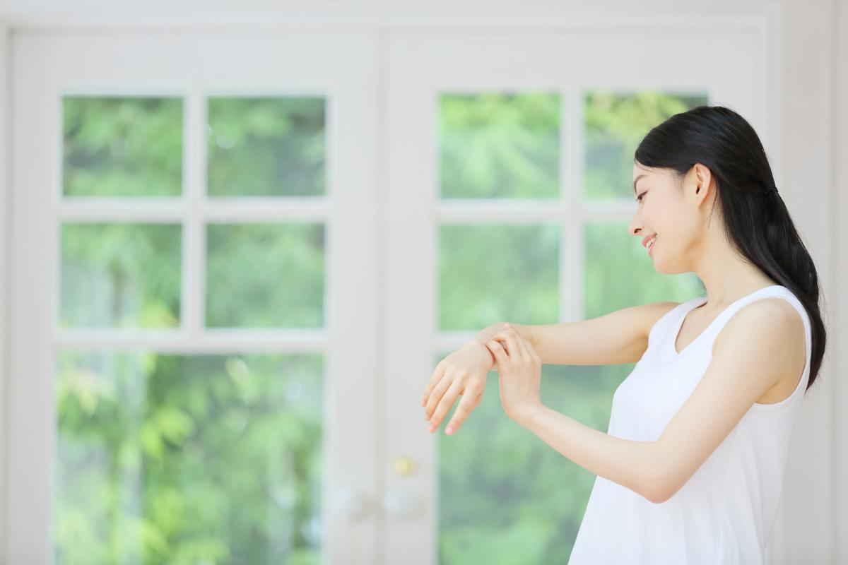 敏感肌にもやさしい日やけ止めって?肌質に合った日やけ止めを選ぶ時の3つのポイント