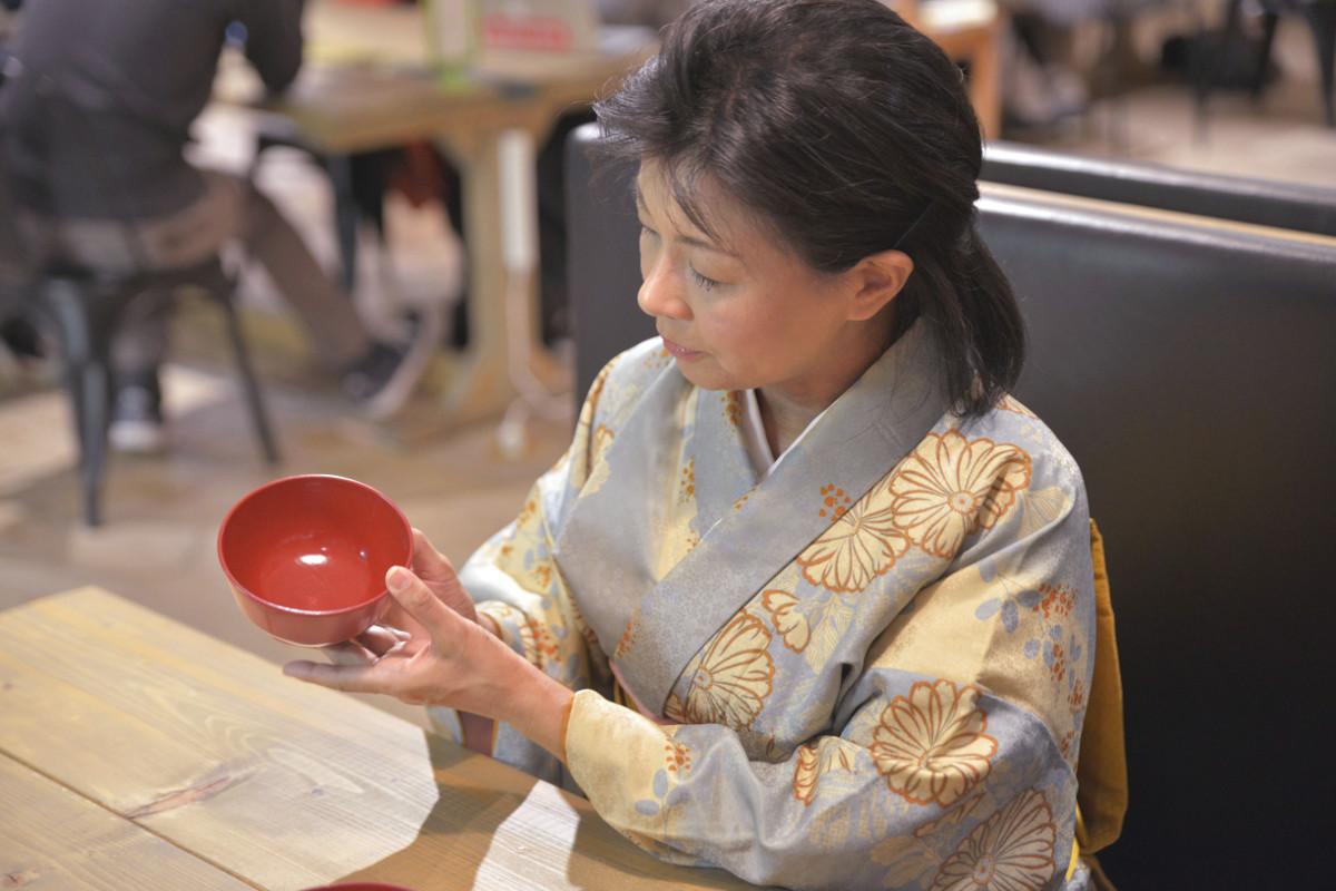 時代小説家で江戸料理・文化研究家の車浮代さんが愛す、手仕事の美しい和小物3選